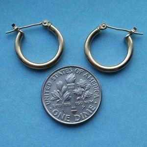 Jewelry - 10k gold small hoop earrings